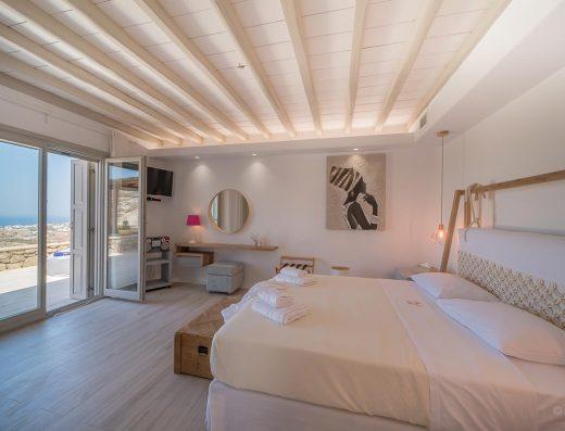 LLB Mykonos luxury villas hyperion villa 01